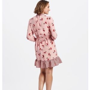 Draper James Dresses - Draper James Pink Floral Tie Neck Peasant Dress xs